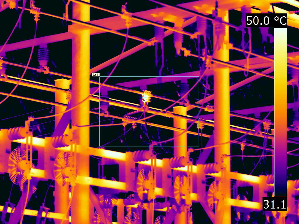 Using 12° lens to shoot bolted clamp at substation - FLIR T1K IR Image