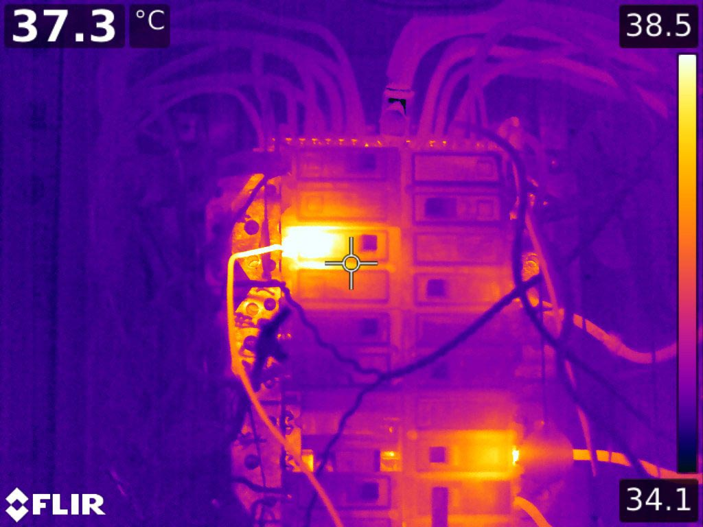 Failing connection in industrial breaker panel - FLIR T1K IR Image