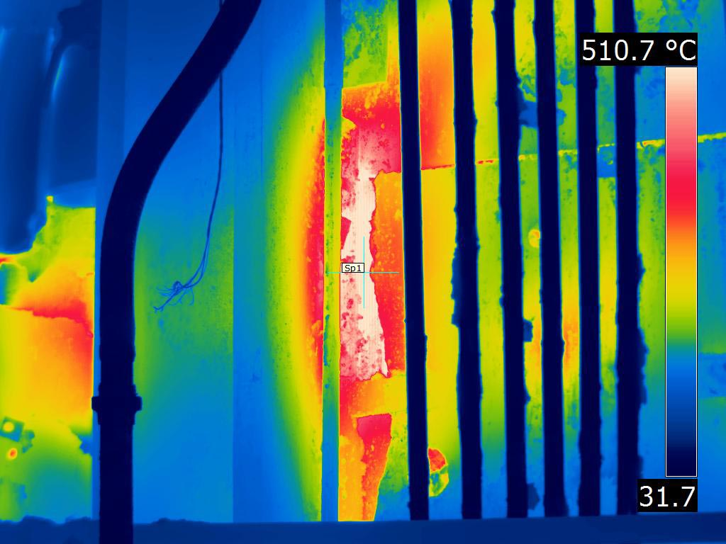 Steel mill furnace wall losing refractory - FLIR T1K IR Image